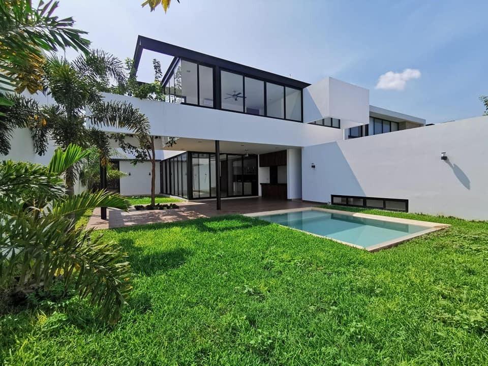 Residencia NUEVA en privada Allegra  Mérida Yuc.